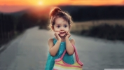 cute_stylish_child_girl-wallpaper-1366x768